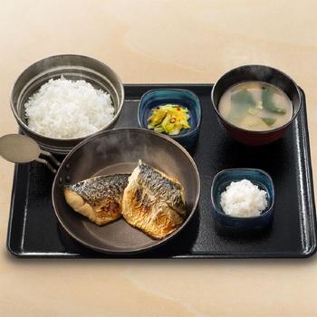 炙り塩鯖定食.jpg